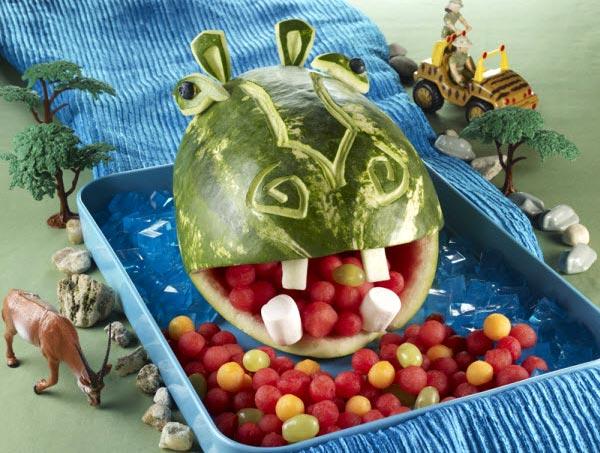 Muôn kiểu tạo hình dễ thương từ trái cây - hình ảnh 4