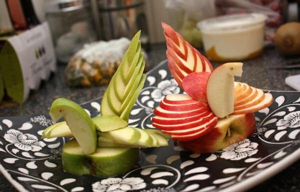 Muôn kiểu tạo hình dễ thương từ trái cây - hình ảnh 10