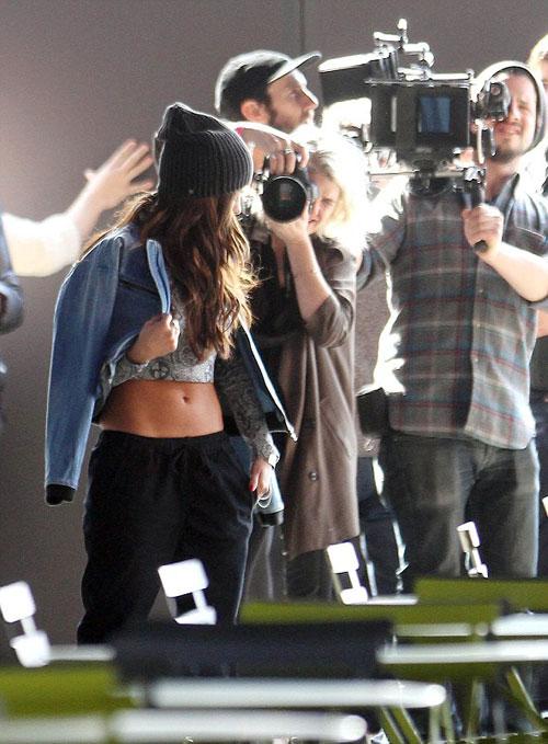 Selena-Gomez9-2337-1394590814.jpg
