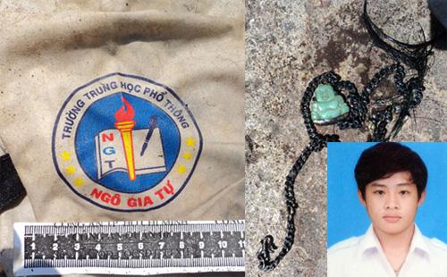 Chiếc áo học sinh và sợi dây chuyền giúp gia đình nhận dạng thi thể con trai bị giết.