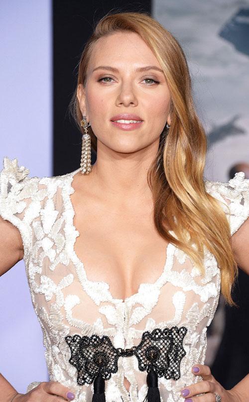 Scarlett-Johansson4-7080-1394786321.jpg