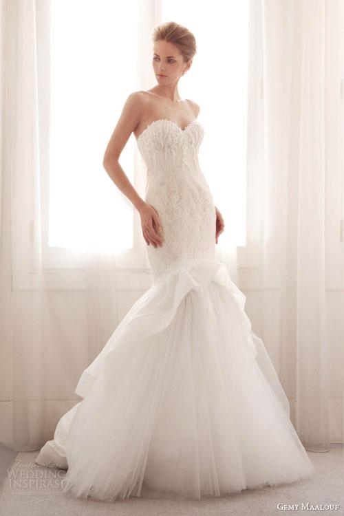 Váy cưới tối giản mới lạ