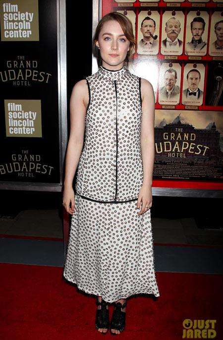 2-Saoirse-Ronan.jpg