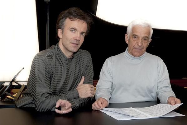 Hai cha con nghệ sĩ dương cầmhai cha con nghệ sĩ Vladimir Ashkenazy và Vovka Ashkenazy