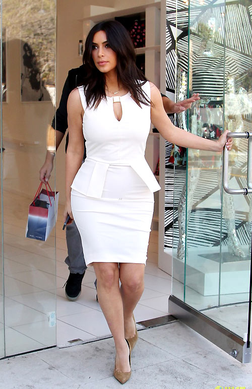 1-Kim-Kardashian-Hollywood-7132-13952910