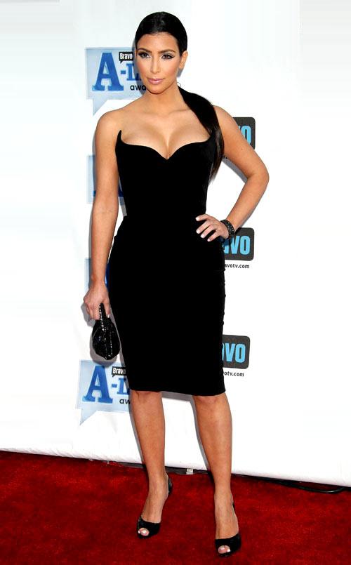 4-Kim-Kardashian-bodycon-2-6915-13952910