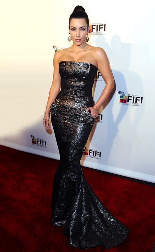8-Kim-Kardashian-at-2010-FiFi-2972-13952