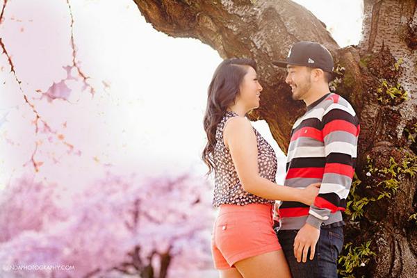 Chụp ảnh cưới dưới tán hoa đào nở