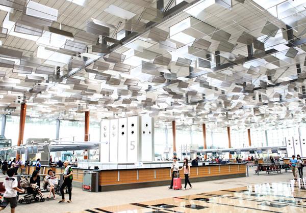 Một góc sân bay quốc tế Changi, Singapore.