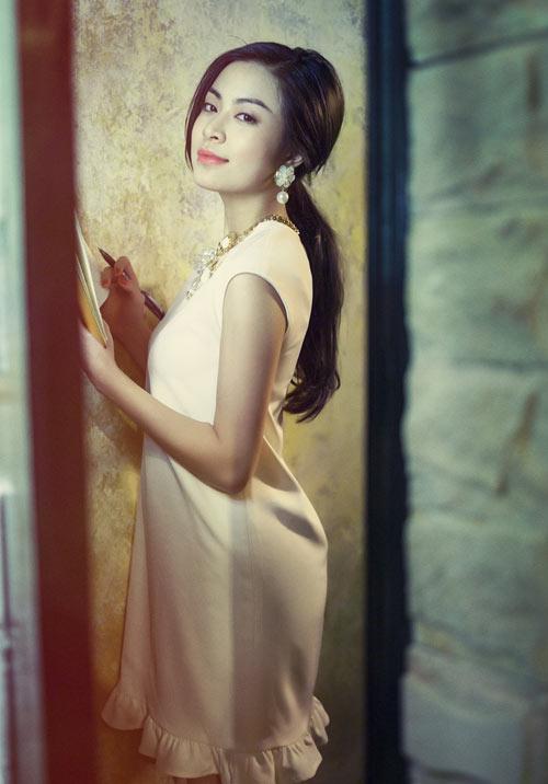 Hoang-Thuy-Linh-3-1920-1395892749.jpg