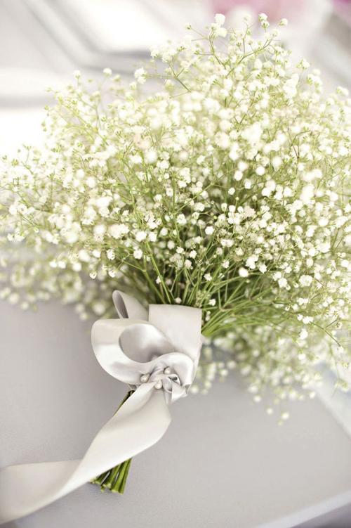 Hoa cưới kết từ baby trắng mỏng manh