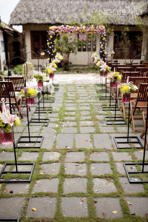 Confetti-outdoor-wedding-30-7852-1396319