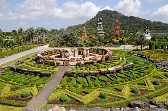 Nong-Nooch-Tropical-Botanic-9901-1396408