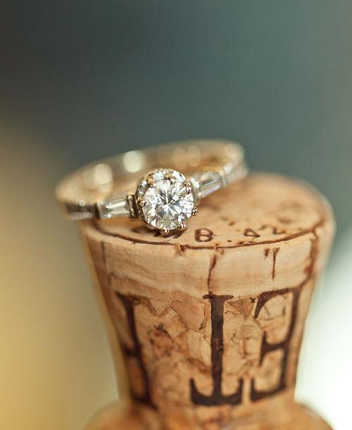 Nhẫn đính hôn với vẻ đẹp vĩnh cửu
