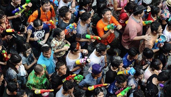 Giống như Lào, Campuchia, Myanmar, lễ hội Songkran của Thái Lan có ý nghĩa chào đón năm mới với những hoạt động