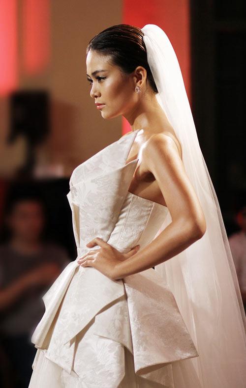 Mau-Thanh-Thuy-4-5752-1397879267.jpg