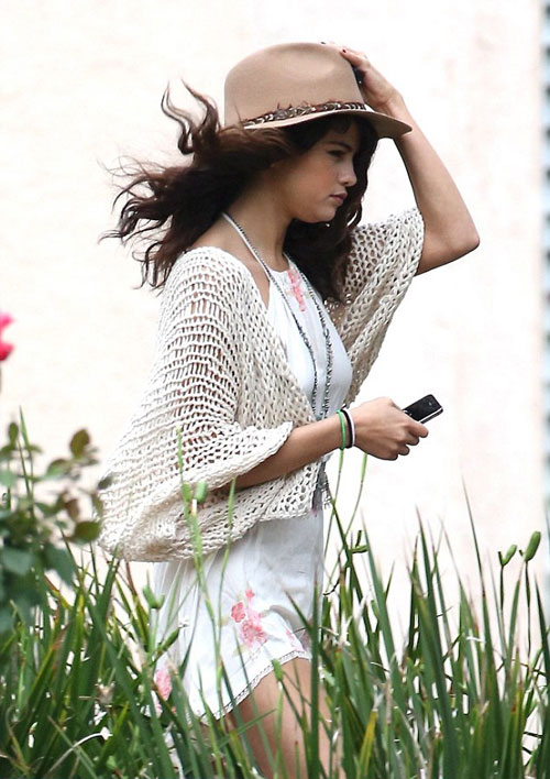 Selena-Gomez-14-7000-1398654149.jpg