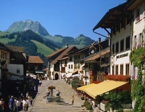 o-GRUYERES-SWITZERLAND-8141-1399254978.j