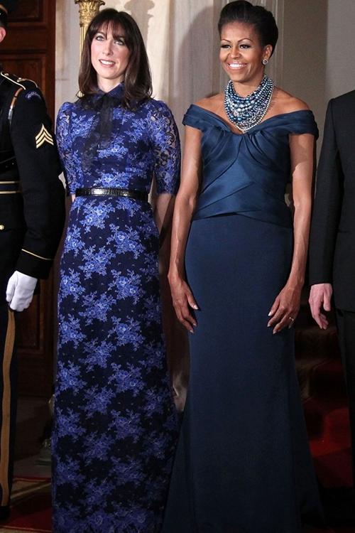 MIchelle-Obama-Dark-Blue-Gown-7479-8275-