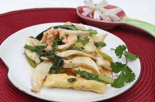 Không tốn mấy công chuẩn bị, bạn đã có món ăn lạ miệng cho bữa cơm gia đình với các nguyên liệu dễ tìm.
