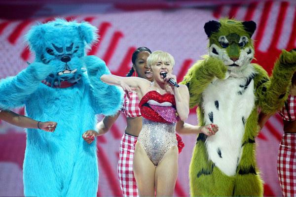 Miley-Cyrus-3-5946-1399449938.jpg