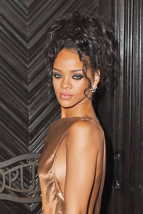 Rihanna4-5039-1399428193.jpg