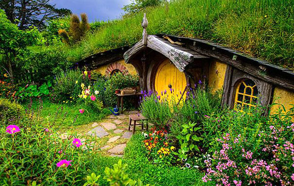 Nhà của người lùn Hobbit ở New Zealand.