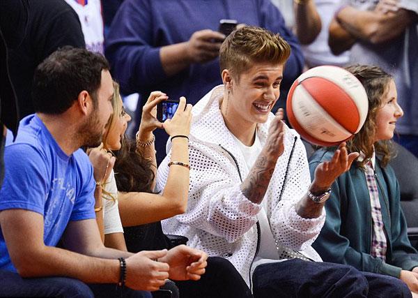 Justin-Bieber5-7206-1399884176.jpg