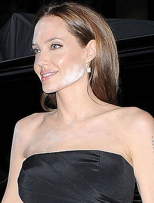 Angelina-Jolie2-7810-1399947203.jpg