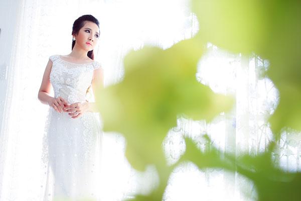 Áo dài voan lưới mát mẻ cô dâu
