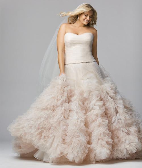 Plus-Size-Bridal-Designers-5537-14000402