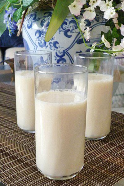 Sữa đậu nành không nên pha chung với mật ong. Ảnh: Hà Linh.