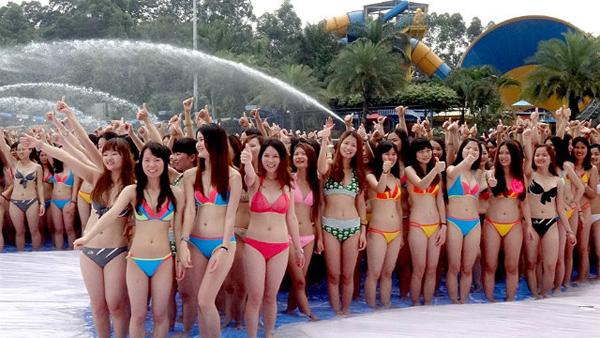 bikini-dolphin-3-7923-1400561890.jpg
