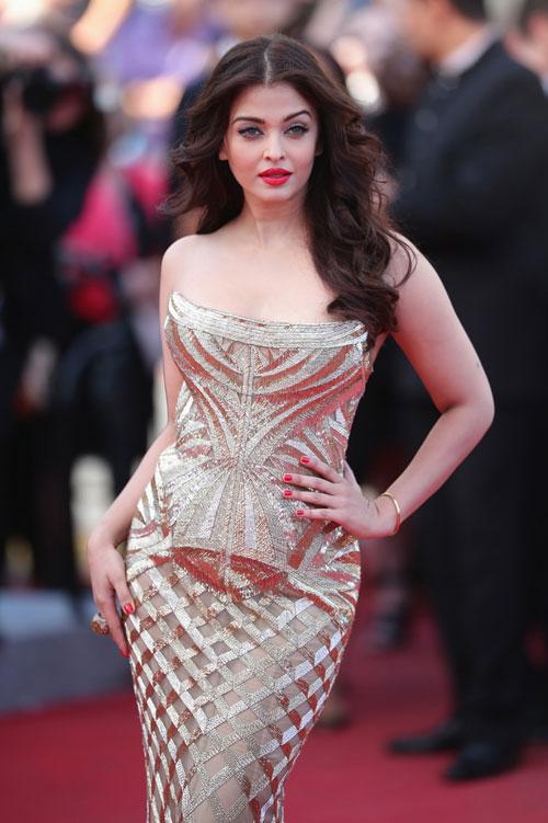Hoa hậu thế giới Aishwarya Rai tái xuất lộng lẫy