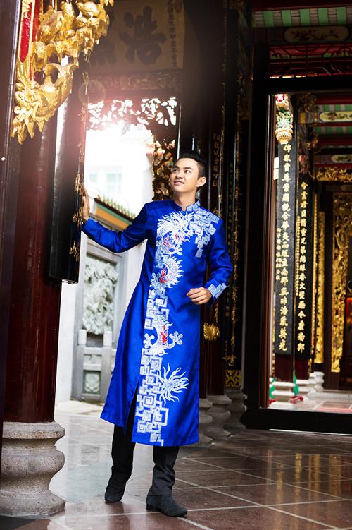 Áo dài cho chú rể thích phong cách cổ điển