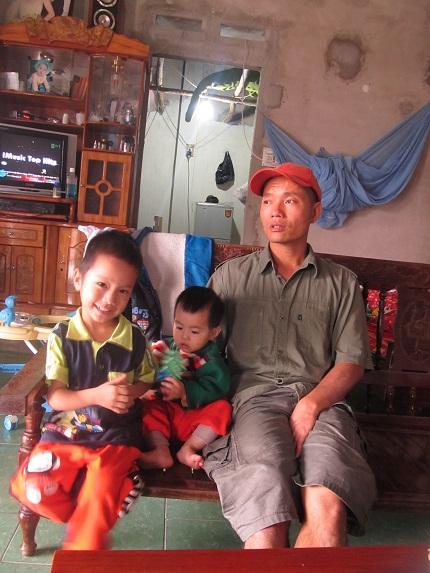 Sau khi hoàn tục, anh Thọ lấy vợ và sinh được 2 cháu bé kháu khỉnh.