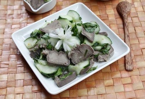 Món nhắm thích hợp cho những buổi liên hoan hay đơn giản chỉ là món ăn kèm trong bữa cơm nhà bạn, rất ngon và dễ làm.