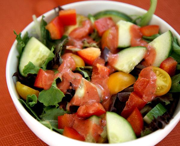 Bring-Huge-Salad-Lunch-2640-1401944947.j