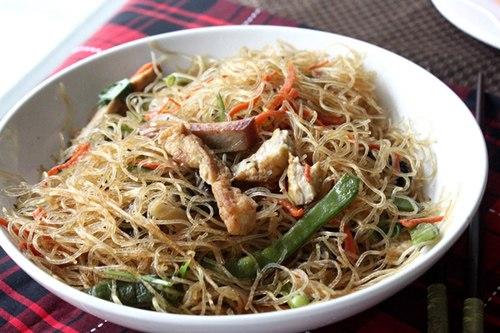 Sau những bữa ăn nhiều thịt cá, bạn thử đổi vị với món miến xào rau củ chay nhé.