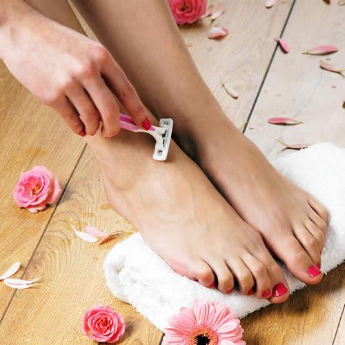 7 lưu ý khi cạo lông chân