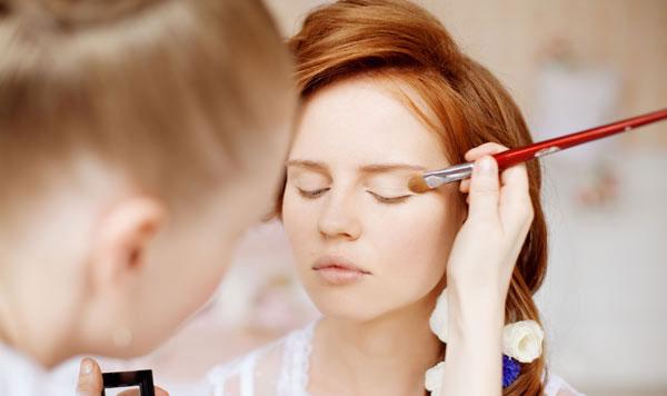 bridal-makeup-small1-5630-1402549423.jpg