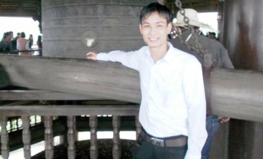 Hoàng Huy Văn trước khi sa ngã là một thư sinh nho nhã.