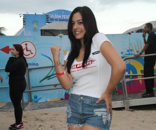 Người đẹp sexy nhất World Cup 2010 không bỏ lỡ cơ hội góp mặt tại ngày hội bóng đá lớn nhất hành tinh