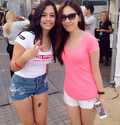 Larissa dịu dàng, dễ thương bên một cô gái người Trung Quốc