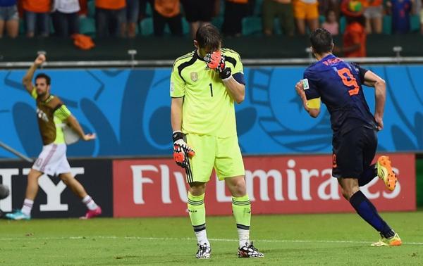 Đội bóng xứ sở bò tót có khởi đầu thuận lợi khi Xabi Alonso ghi bàn từ chấm phạt đền mở tỉ số.