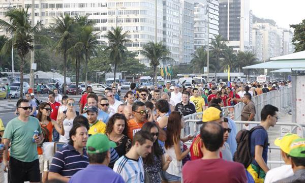 torcedores-praia-copacabana-2957-1402709