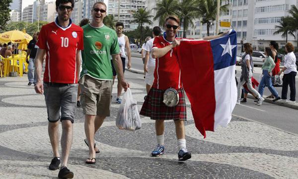 turistas-calcadao-copacabana1-6282-14027