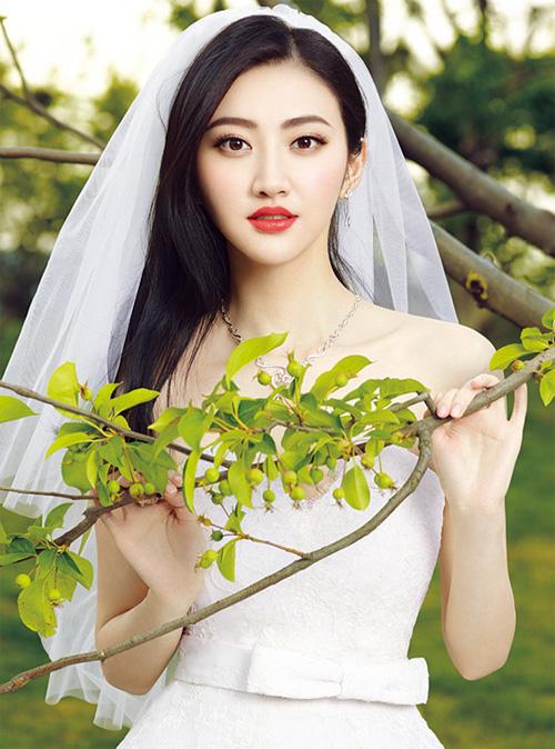 Triệu Lệ Dĩnh, Cảnh Điềm đọ vẻ đẹp tân nương