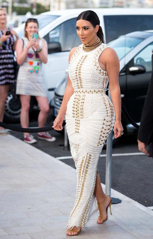 Váy dây thừng độc quyền của Kim Kardashian