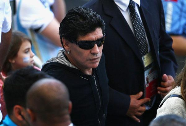 Cựu danh thủ đình đám một thời từng lên ngôi vô địch World Cup 1986 và giúp tuyển Argentina lọt vào tứ kết World Cup ở Nam Phi 4 năm về trước.